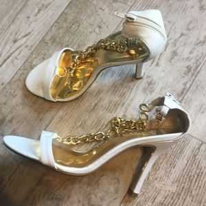 Heels with gold chain detail